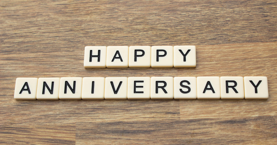 Modern And Traditional Anniversary Gifts By Year